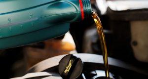 Elérhető áron vásárolhat autó olajat.
